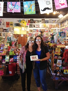 <p>Susan Olsen who played Cindy in the Brady Bunch TV show visited Rocket Fizz in Camarillo, California.</p>