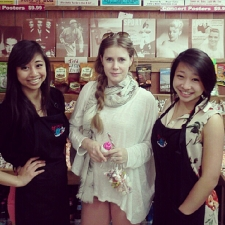 <p>Amy Adams visiting Rocket Fizz in Westwood, California.</p>