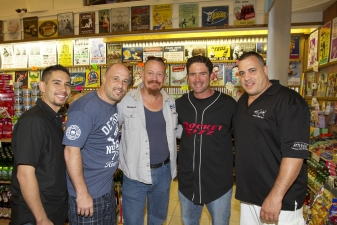 <p>Wayde, Brett, and Robbie of the Animal Planet TV show 'Tanked' decided to crash the Snooki event. Here they are with Rocket Ryan.</p>