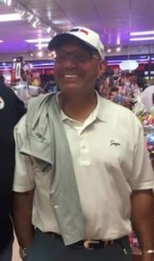 "<p>Baseball legend ""Mr. October"" Reggie Jackson slid safely into Rocket Fizz in Tampa, Florida. Reggie has 5 World Series rings and hit 563 career home runs.</p>"