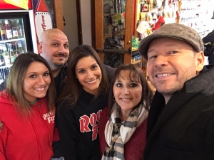 <p>Donnie Wahlberg with Rocket Fizz franchise family in St. Charles, IL. Donnie was at Rocket Fizz filming an episode of the A & E hit TV show Wahlburgers.</p>