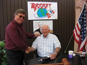 <p>Camarillo city councilman and rotating Mayor Mike Morgan welcoming Judge Wapner to Rocket Fizz</p>